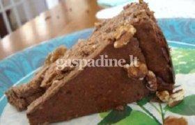 Šokoladinis sūrio pyragas su riešutais ir karamele