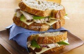Vištienos sumuštiniai su klevų sirupo ir garstyčių padažu