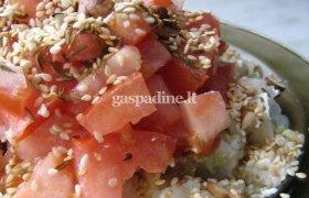 Arabiškos feta sūrio ir pomidorų salotos