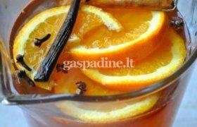 Šildantis obuolių sulčių gėrimas