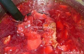 Burokėlių ir skrandukų sriuba