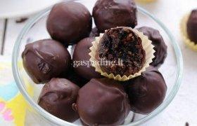Džiovintų vaisių, uogų ir riešutų saldainiukai