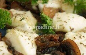 Pievagrybiai su mocarela sūriu