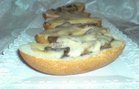 Orkaitėje kepti sumuštinukai su pievagrbiais