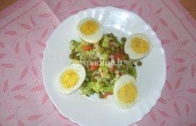 Dietinės salotos su kiaušiniais