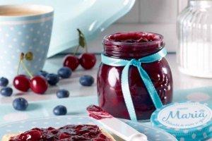 Vyšnių ir mėlynių uogienė (su mažesniu kalorijų kiekiu)