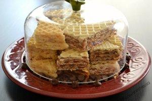 Nostalgiški vafliai su trijų rūšių kremais: šokoladiniu, kokosiniu ir karameliniu