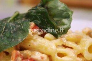 Itališka pasta (makaronai) su rūkytos lašišos ir grietinėlės padažu