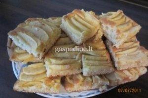Ilonos obuolių pyragas