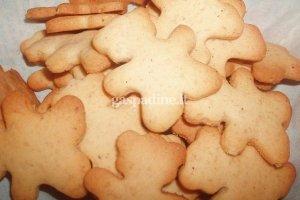 Kalėdomis kvepiantys imbieriniai sausainiai