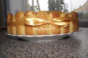 Mangų - persikų tortas