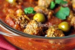 Jautienos kukuliai su alyvuogėmis ir pomidorais