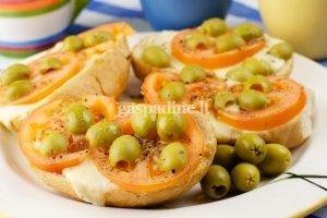 Karšti daržovių sumuštinukai