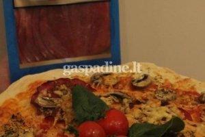 Pica su rūkyta jautienos nugarine