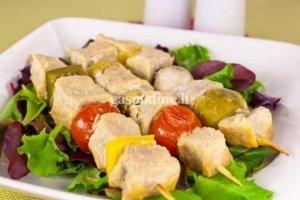 Vištienos vėrinukai su daržovėmis ir pievagrybiais
