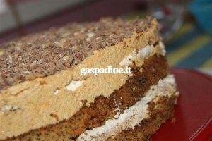 Tortas su morenginiu sluoksniu