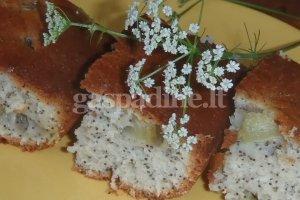 Aguoninis rabarbarų pyragas