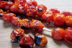 Vyšniniai pomidoriukai grilyje