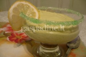 Avokadų ir citrinų desertas