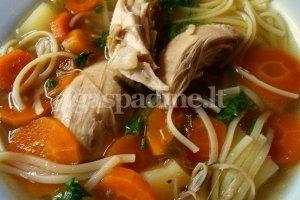 Paprasta sriuba su vištiena