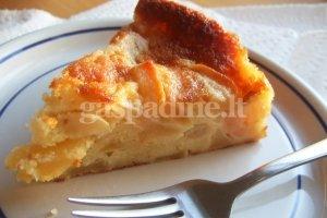Greitas obuolių pyragas su šaldyta ''Mantingos'' tešla