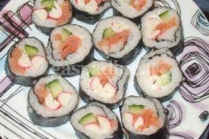Sushi su šaltai rūkyta lašišos filė