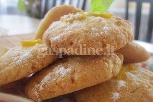 Persikiniai sausainiai su kokosu