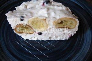 Pyragas su grūdėta varške ir mėlynėmis