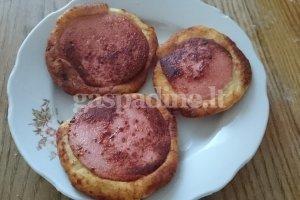 Bulviniai pyragiukai su dešra