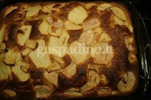 Obuolių ir obuolienės pyragas