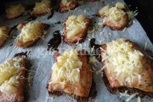 Vištienos kąsneliai su ananasais