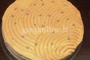 Moliūgų tortas su karameliniu kremu