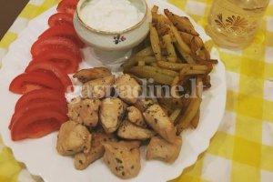 Graikiškas vištienos šašlykas suflakis (Σουβλάκι)