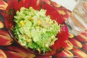 Vištienos salotos su medaus ir garstyčių užpilu