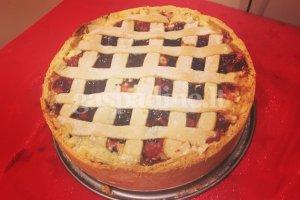 Varškės pyragas su spanguolių uogiene