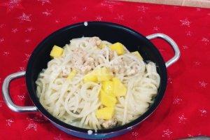 Makaronai su vištiena ir kokosų pienu