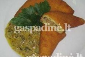 Kaimiškas bulvinis ragelis su vištienos įdaru