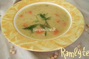 Močiūtės žirnių sriuba
