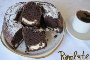 Šokoladinis pyragas su varške