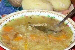 Raugintų kopūstų sriuba su spirgučiais