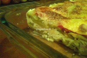 Super paprasta lazanija su varške, kumpiu ir pomidorais