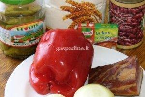 Marinuotų agurkėlių, paprikų ir pupelių sriuba