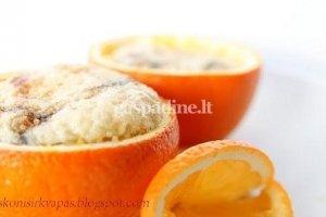 Pyragėliai apelsinų dubenėliuose