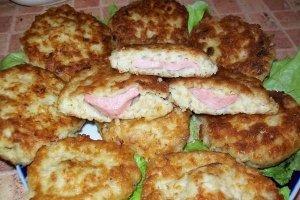 Bulviniai pyragėliai su dešrelėmis