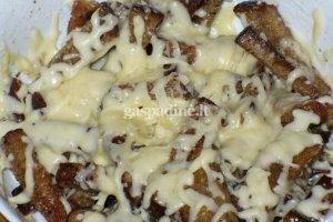 Kepta duona su sūriu ir majonezu