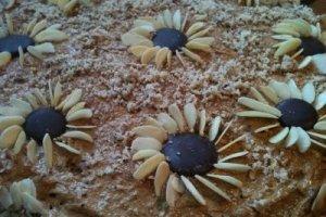 Kavos tortas su riešutais