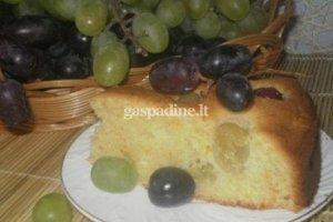 Pyragas su vynuogėmis