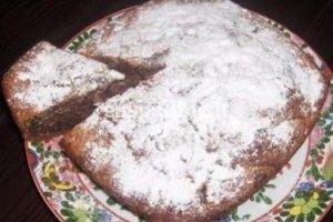 Šokoladinis pyragas su cukinija ir riešutais