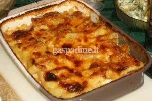Sūriu ir kiaušiniais užkeptos bulvės