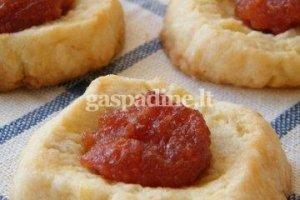 Sausainiai su svarainių pasta
